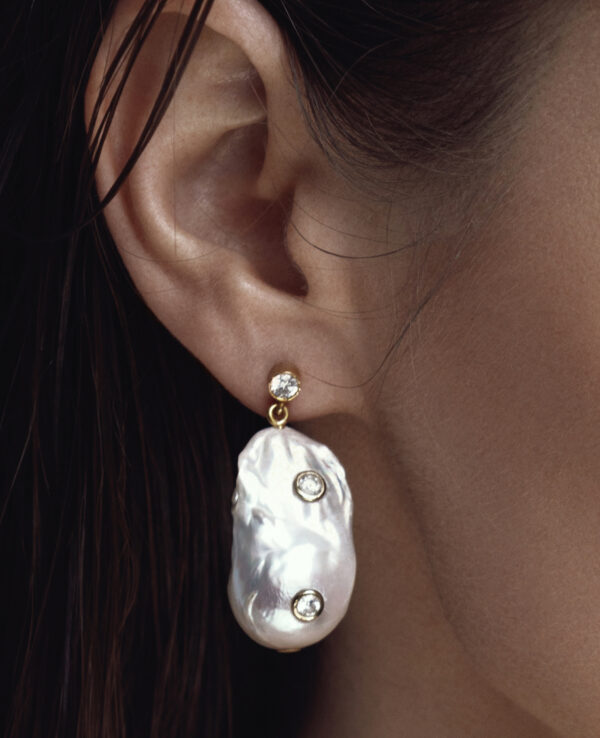 PHOEBE BAROQUE EARRINGS IN CULTURED PEARLS WITH 14K YELLOW GOLD3