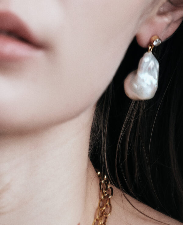 KATE BAROQUE EARRINGS IN CULTURED PEARLS WITH 14K YELLOW GOLD