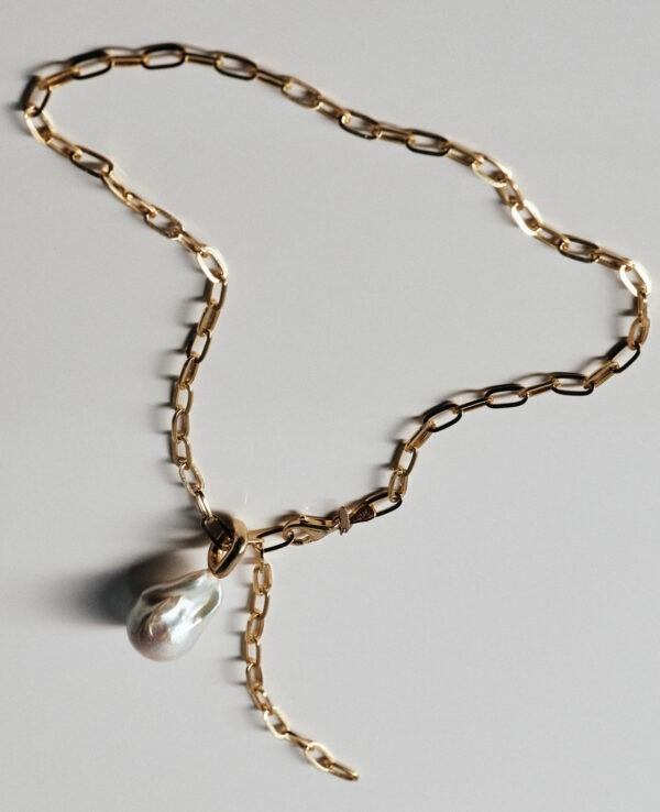 KENDALL BAROQUE ROPE NECKLACE IN CULTURED DROP PEARL65